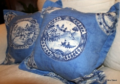 Oxford border cushion